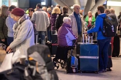 Huelgas de personal de seguridad aeroportuaria en Alemania cancelan vuelos en Emiratos Árabes Unidos