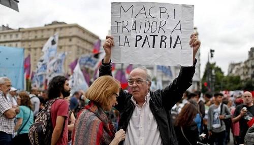 Argentina: decenas de miles de personas marchan contra el plan de austeridad de Mauricio Macri