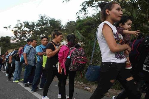 Nueva caravana de migrantes viaja a Estados Unidos desde Honduras