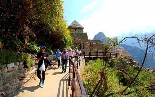 Revisarán concesión de servicios turísticos a Machu Picchu
