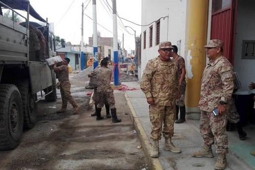 Ejército peruano va en ayuda de afectados por huaycos y desborde de ríos en regiones del sur