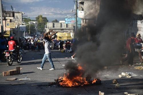 Haití: las protestas se intensifican mientras el gobierno guarda silencio