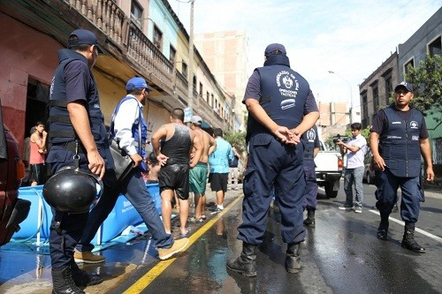 Lima: se intensifica control de piscinas en la vía pública