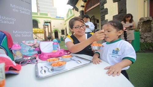 Minsa aprueba lineamientos para promover la alimentación saludable en instituciones educativas del país