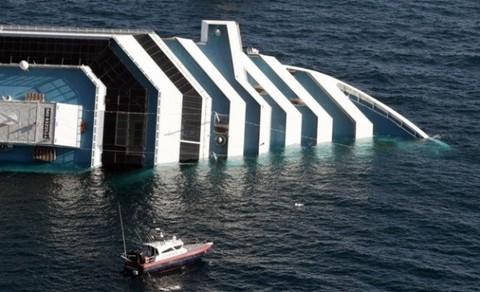 Encuentran 4 cuerpos más en el Costa Concordia