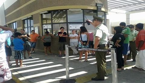 Chilenos regresan a su país tras reapertura de frontera