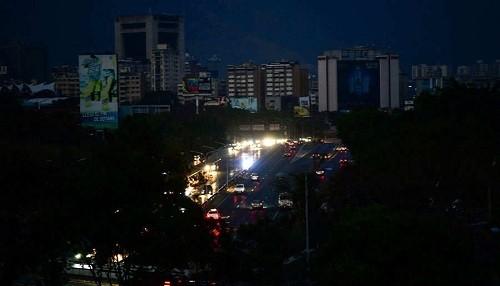 Venezuela: Juan Guaidó quiere declarar 'estado de alarma nacional'