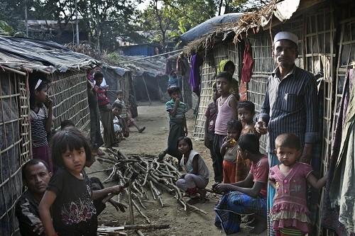 La ONU advierte a Bangladesh de una 'nueva crisis' sobre el plan de reubicación de Rohingya