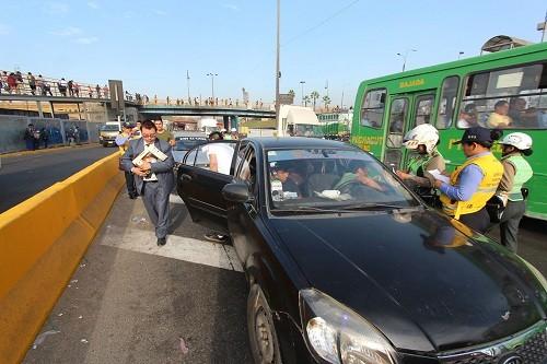 Lima: más de 90 vehículos informales al depósito