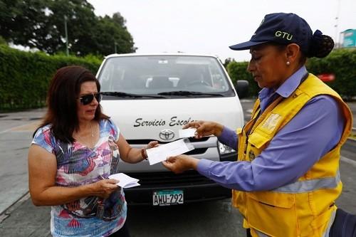 Lima: multas de s/ 4.200 para movilidades escolares informales