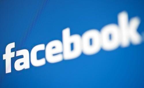 Facebook regresa después de su peor corte