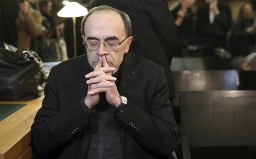 El Papa rechaza la renuncia del cardenal francés Barbarin, condenado por encubrimiento de abuso sexual infantil