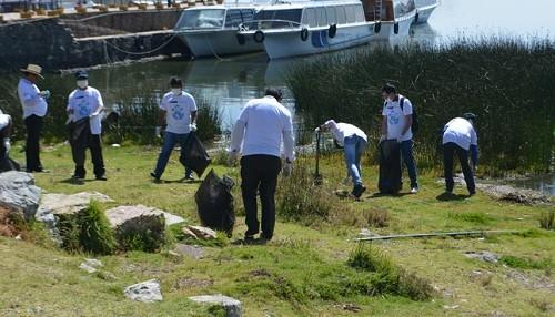 Se recogió más de 200 kilos de basura en jornada de limpieza al Lago Titicaca