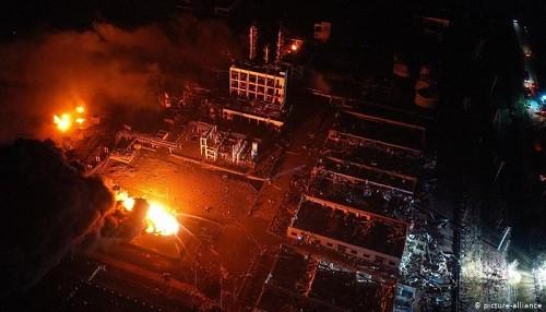 China: número de muertos por explosión en una planta química se eleva a 47