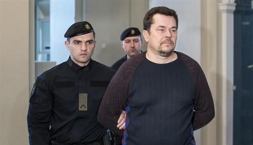 Un hombre se declaró culpable de estafar a Facebook y Google por más de $ 120 millones