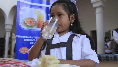 Escolares que llevan almuerzo sin refrigerar corren mayor riesgo de infecciones estomacales