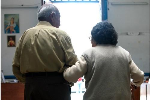 EsSalud mitiga Parkinson con novedosa técnica de estimulación cerebral