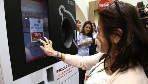 Sector privado se suma a campaña 'En casa yo reciclo' con nueva máquina EcoBox