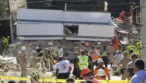 Brasil: a raíz de las inundaciones 2 edificios colapsan en Río de Janeiro matando a dos personas