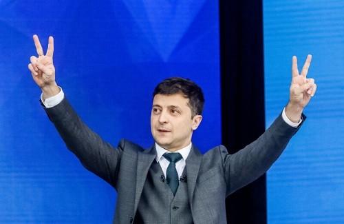 Ucrania: el comediante Volodymyr Zelenskiy arrasó en las elecciones presidenciales