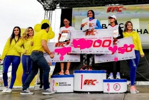 Gladys Tejeda gana la carrera 15K en Ecuador