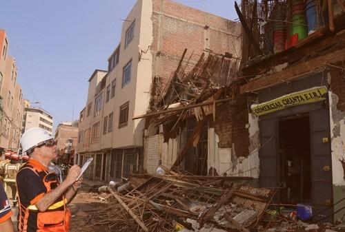 Equipo técnico del INDECI brinda asistencia técnica ante incendio en distrito de Lima