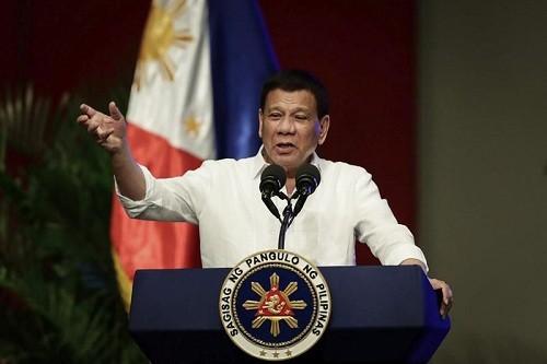 Filipinas: Duterte amenaza a Canadá con una guerra por la basura