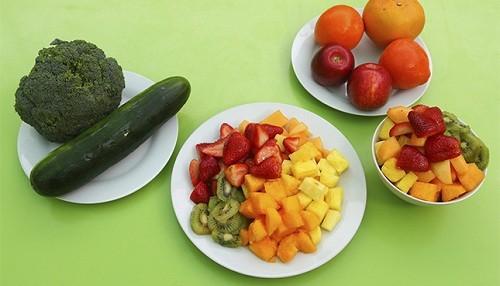 Consumir cinco porciones de frutas y verduras diariamente ayuda a prevenir enfermedades crónicas degenerativas