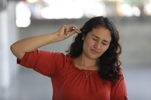 Uso desmedido de hisopos puede generar graves daños en el oído, advierten especialistas de EsSalud