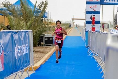 Naomi Espinoza clasifica al Mundial Junior de Triatlón