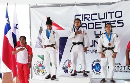 Judoca Noemí Huayhuameza gana oro en Panamá