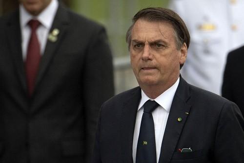 Presidente de Brasil arremete contra medios de comunicación y fiscales