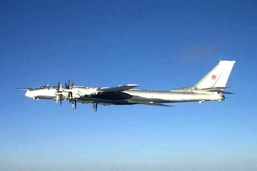 Estados Unidos interceptó 4 bombarderos rusos y 2 aviones de combate cerca de la costa de Alaska
