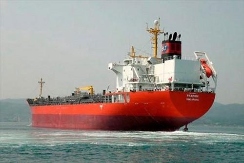 Maduro está convirtiendo a los petroleros en buques de guerra para evadir el bloqueo estadounidense