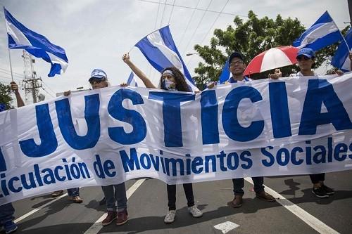 La oposición nicaragüense llama a la huelga, el gobierno promete la liberación de prisioneros
