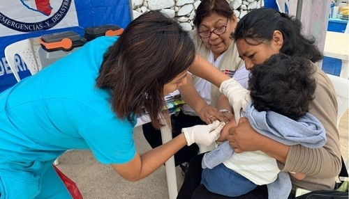 Campañas de prevención del Minsa complementan operación abrigo por bajas temperaturas