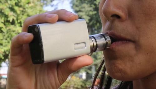 El cigarrillo electrónico incrementa cuatro veces más la adicción al tabaco convencional