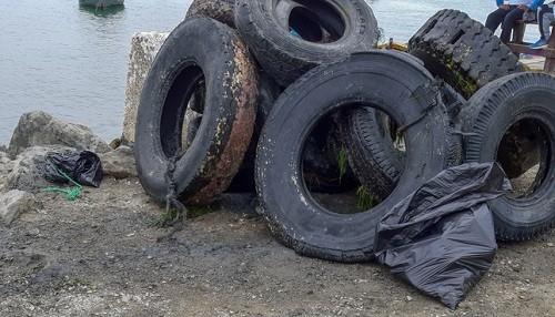 Se retiró tres toneladas de residuos sólidos del fondo de marino en Chimbote