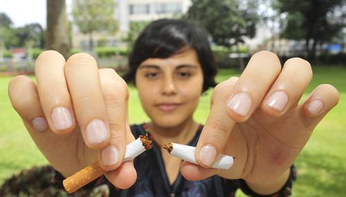 Tabaco aumenta mortalidad por cáncer pulmonar en mujeres