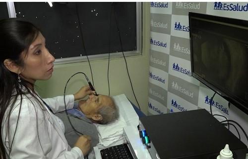 EsSalud Sabogal cuenta con moderno equipo para detectar tumores en el ojo