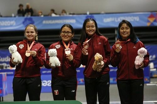 Equipo femenino gana medalla en Sudamericano de Esgrima
