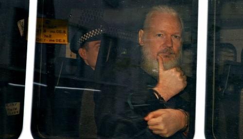 Estados Unidos entregó una solicitud formal al Reino Unido para la extradición de Julian Assange