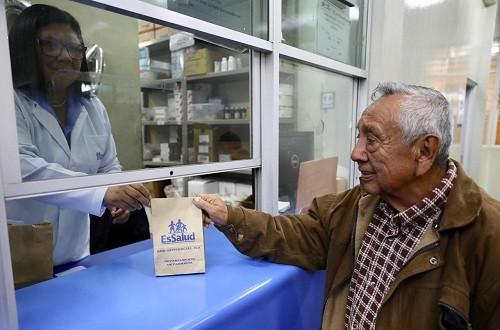 EsSalud entrega medicamentos en bolsas de papel para preservar el medio ambiente