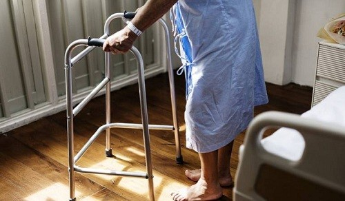 Adultos entre 20 y 40 años son propensos a presentar Esclerosis Múltiple