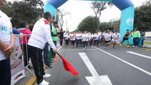 Más de dos mil personas participaron en la Carrera Lima Corre 5k para Donar Sangre