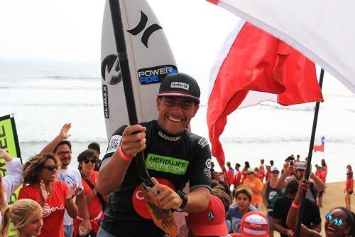 Correa por triple oro en Panamericanos de Surf