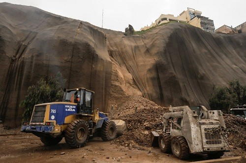 Municipalidad de Lima toma acciones ante el desprendimiento en la Costa Verde