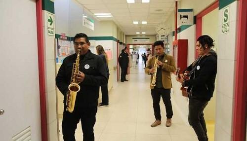 Hospital de Emergencias Villa El Salvador promueve la música como medida terapéutica