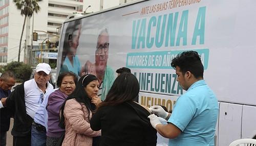 Bus de vacunación contra la influenza realiza su último recorrido