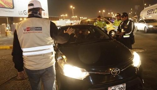 Se intervienen 70 vehículos y llevan al depósito a 11 taxis informales luego de operativo 'Turismo Seguro'